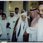اية الله الشيخ محمد سلمان الهاجري في المسجد 1