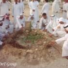 جموع المؤمنين على القبر الطاهر