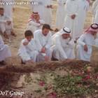 جموع المؤمنين على القبر الطاهر 5